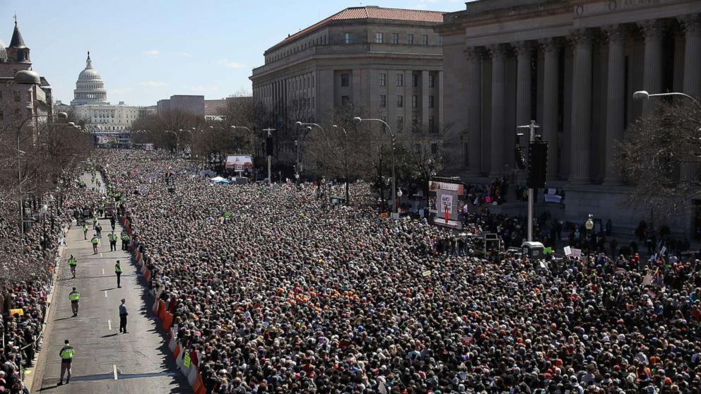 http://a.abcnews.com/images/International/march-for-our-lives-washington-15-gty-er-180324_hpMain_16x9_992.jpg