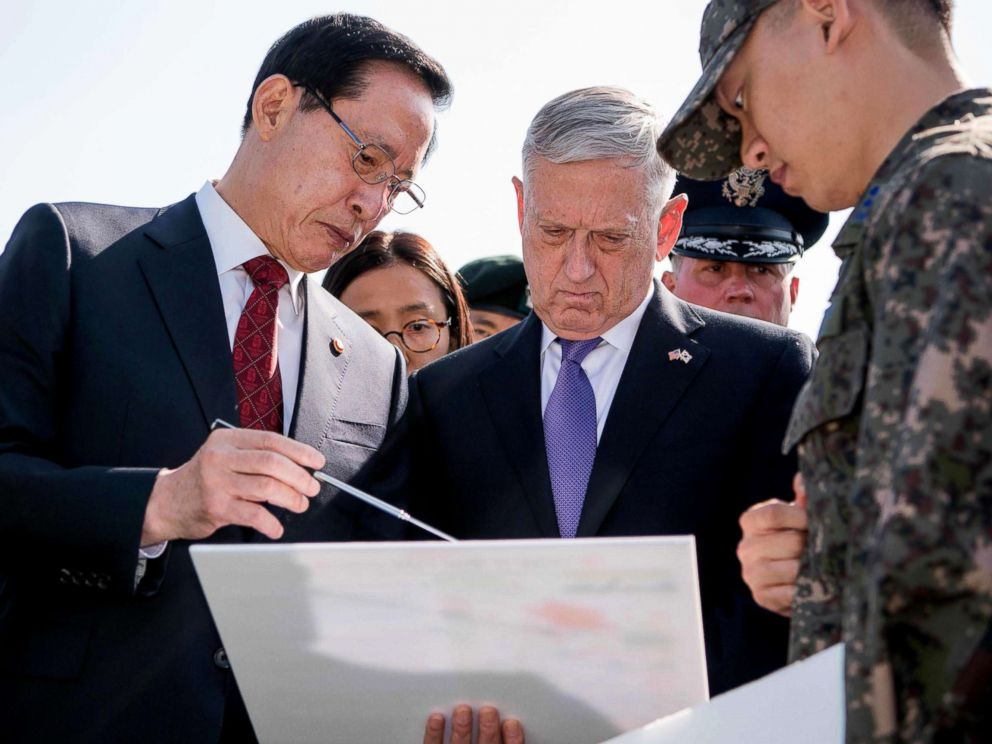 PHOTO:US Defense Secretary Jim Mattis, right, and South Korean Defense Minister Song Young-moo as they visit the Demilitarized Zone between North and South Korea, Oct. 27, 2017.