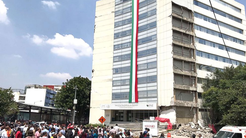 http://a.abcnews.com/images/International/mexico-building-collapse-01-ht-jpo-170920.jpg-_16x9_992.jpg