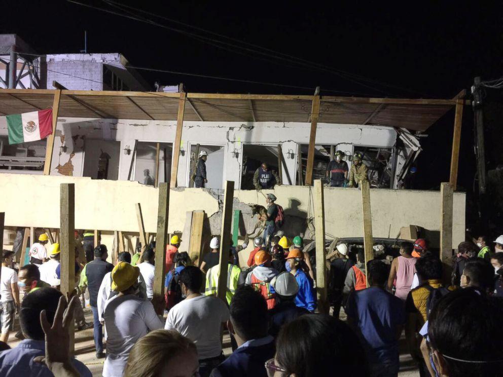 PHOTO: Rescue teams work at the Rebsamen school in Mexico City, Sep. 20, 2017.