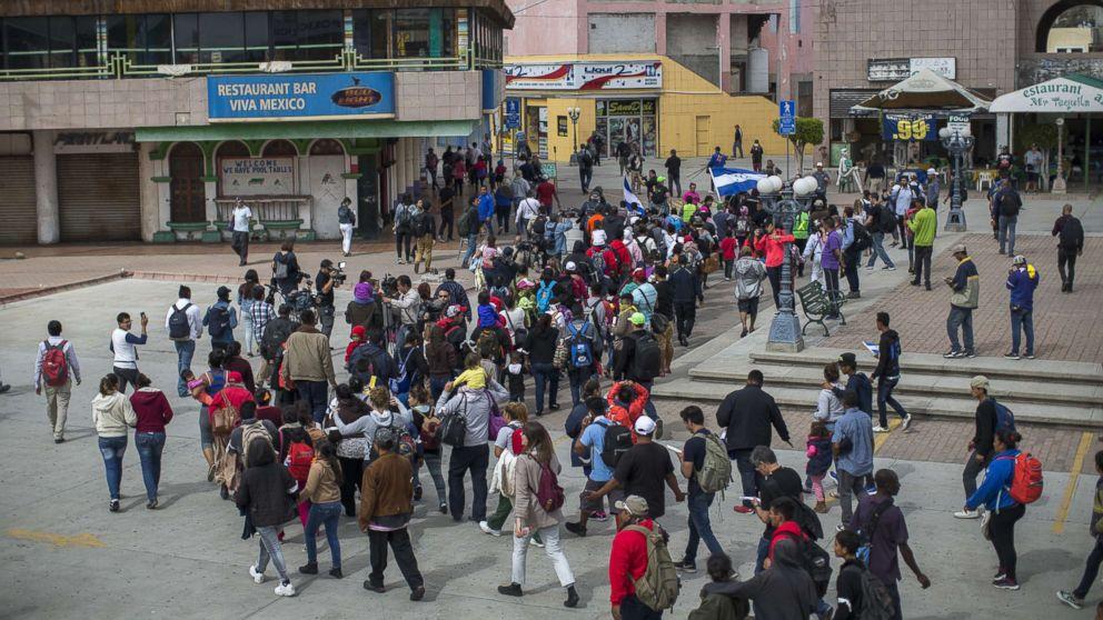 http://a.abcnews.com/images/International/migrants-mexico-border-gty-thg-180501_hpMain_16x9_992.jpg