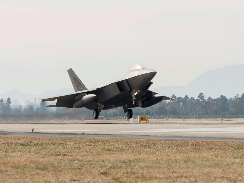 PHOTO: A F-22 Raptor touches down at Gwangju Air Base, Republic of Korea, Dec.02, 2017.