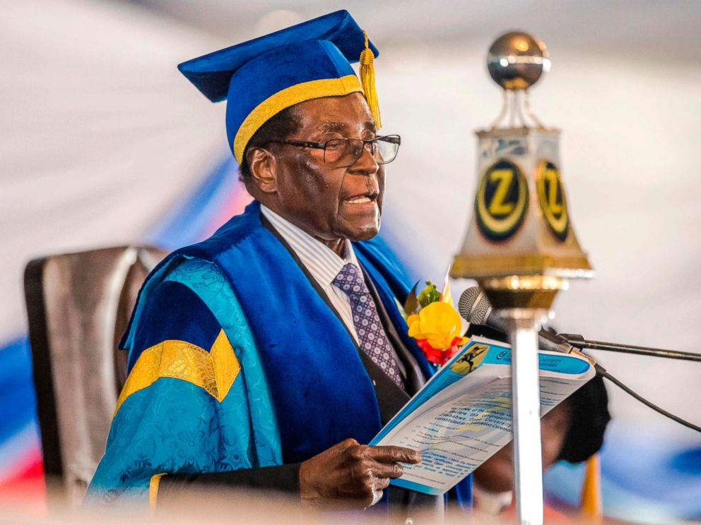 PHOTO: Zimbabwes President Robert Mugabe delivers a speech during a graduation ceremony at the Zimbabwe Open University in Harare, Nov. 17, 2017.