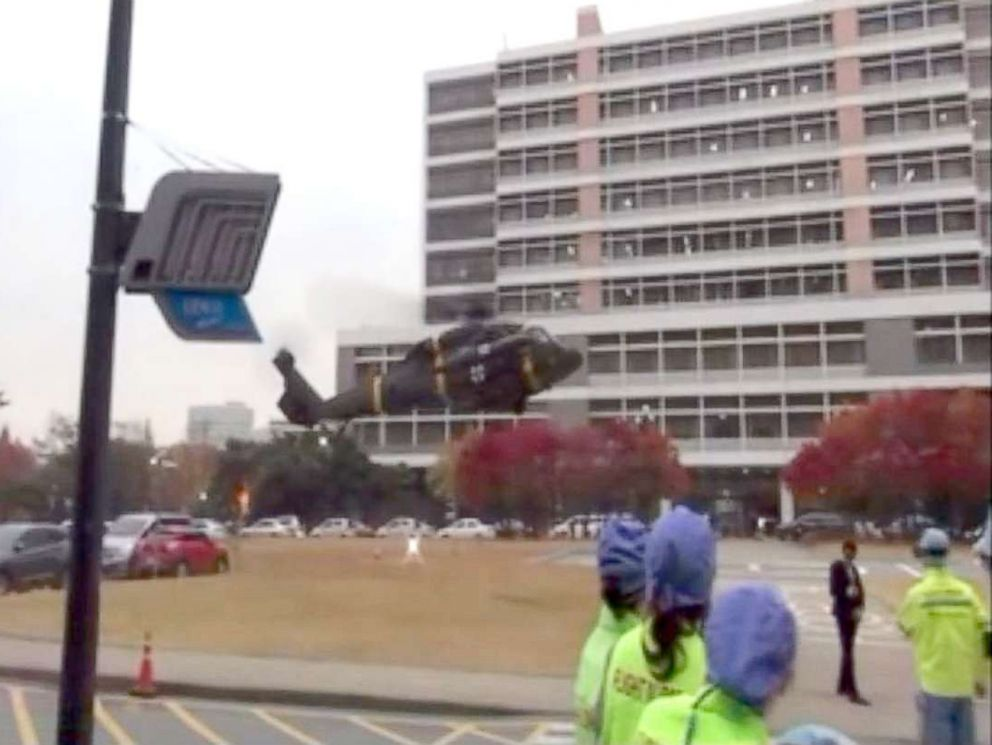 PHOTO: South Korean surgeon Lee Cook-jong said that the speed with which North Korean soldier Oh Chong-song made it to his Suwon, South Korea, hospital on a Black Hawk saved the defector's life.