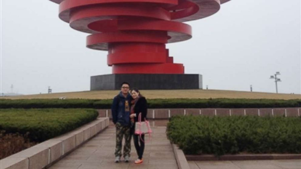 Chinese  man realizes he accidentally photobombed wife 11 years before they met