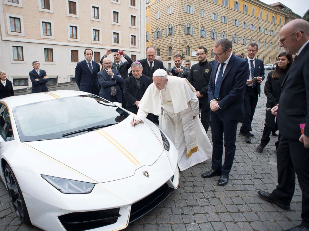 Pope Francis given Lamborghini to be auctioned for charity