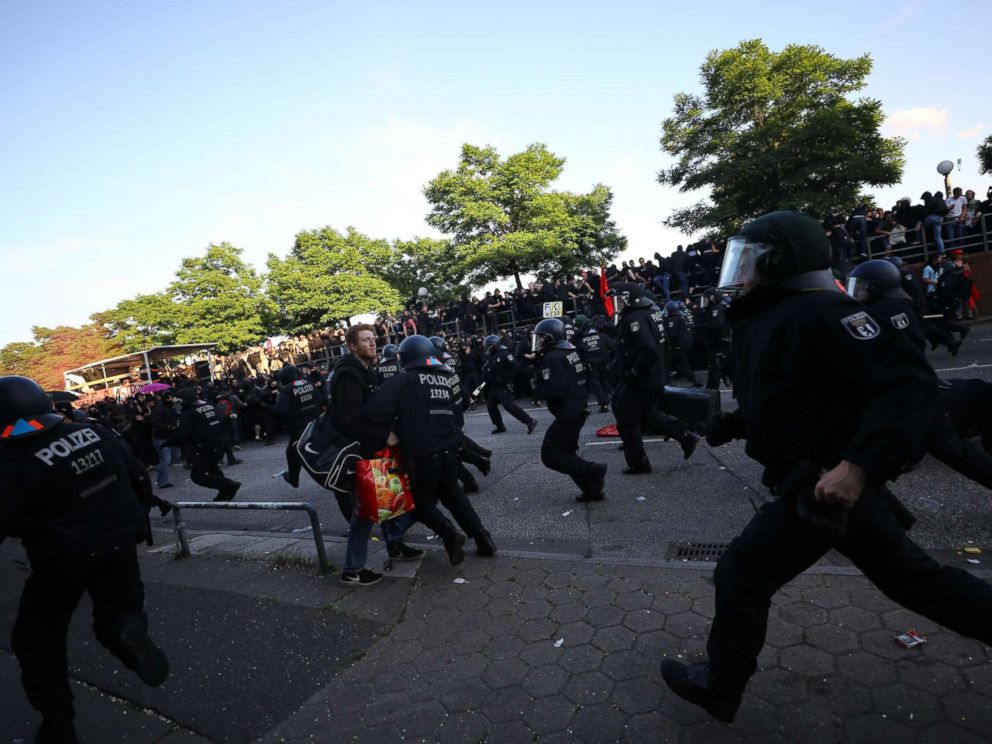 PHOTO: German riot police try to stop protesters during the demonstrations during the G-20 summit in Hamburg, Germany, July 6, 2017.