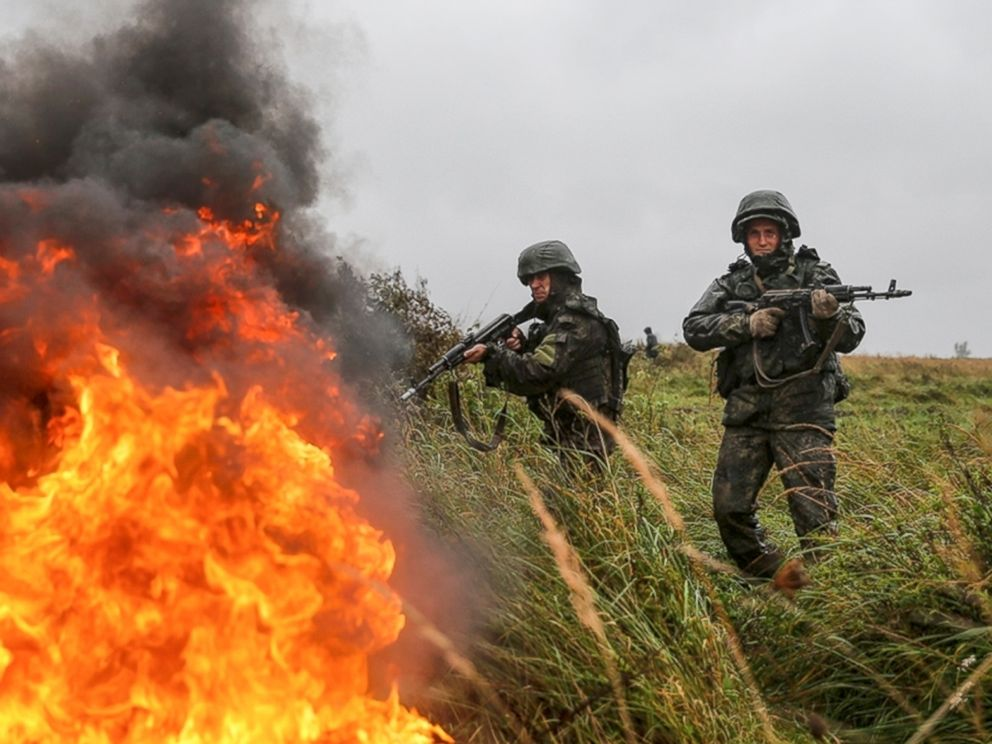 PHOTO: Russian troops during a military exercise at a training ground near Kaliningrad, Russia, Monday, Sept. 18, 2017.
