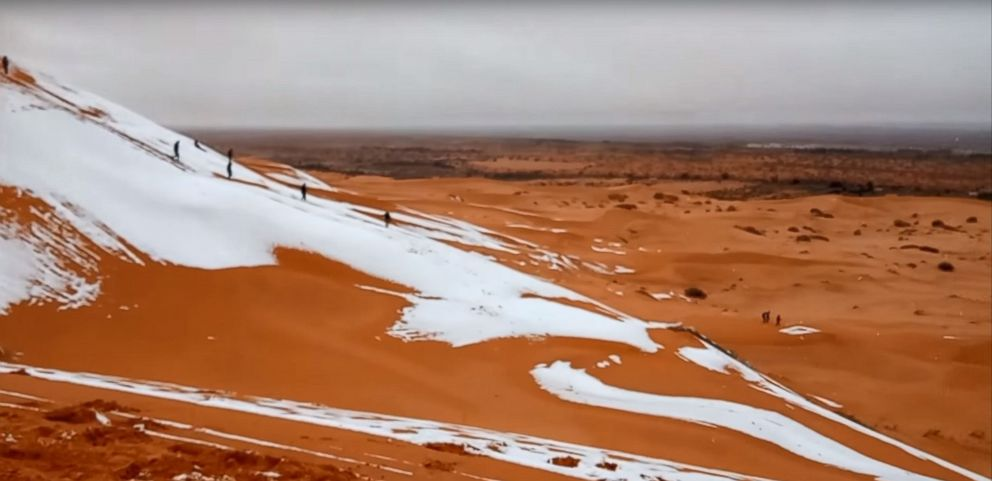 PHOTO: A rare bout of snow dusted sand dunes in the Saharan town of Ain Sefra in northwest Algeria, Jan. 7, 2018.