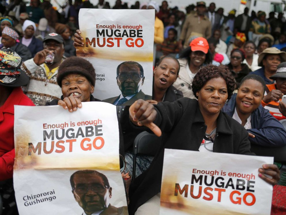 PHOTO: People take to the streets as part of the mass action protests against President Robert Mugabe, in Harare, Zimbabwe, Nov. 18, 2017.