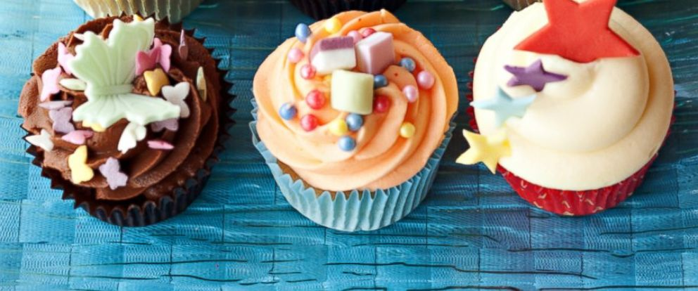 PHOTO: Cupcakes are at the center of a growing national debate on school snacks.