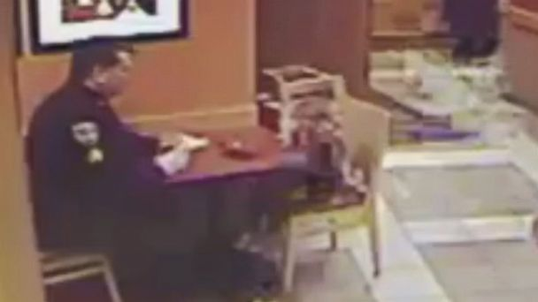 VIDEO: Sgt. Steven Dearth sat with an unexpected guest while dining at a Panera Bread in Hingham, Massachusetts.