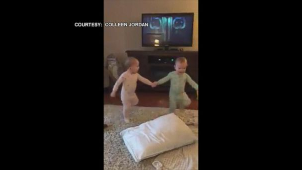 VIDEO:  Twin toddlers act out their favorite 'Frozen' scene