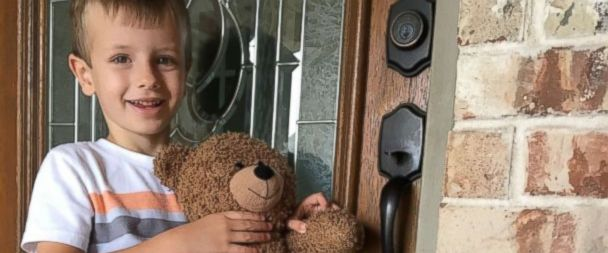 VIDEO: Teddy bear lost at Dallas airport reunited with little boy after family's plea