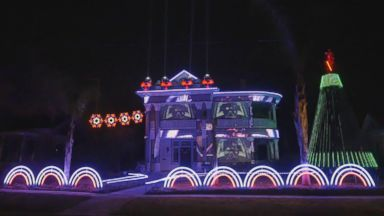 'Matt Johnson, the owner of Living Light Shows in San Antonio, Texas, created this epic' from the web at 'http://a.abcnews.com/images/Lifestyle/171213_vod_orig_star_wars_xmas_lights_16x9_384.jpg'