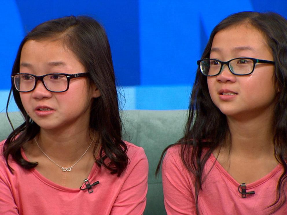 PHOTO: Twins Audrey Doering and Gracie Rainsberry separated at birth meet for the first time on Good Morning America, Jan 11, 2017.