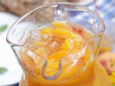 PHOTO: Emeril Lagasses Peachy Ginger Lemonade