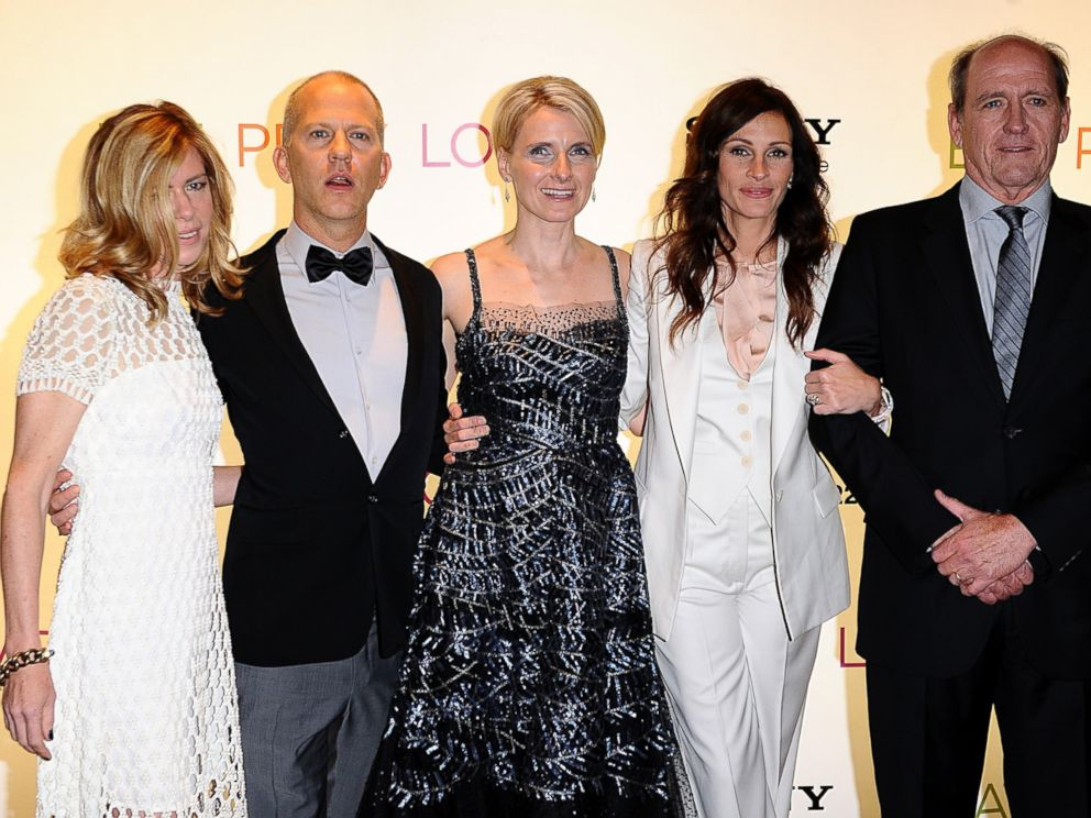 PHOTO: Dede Gardner, left, Ryan Murphy, Elizabeth Gilbert, center, Julia Roberts and Richard Jenkins arrive for the gala premiere of Eat Pray Love in London, Sept. 22, 2010.