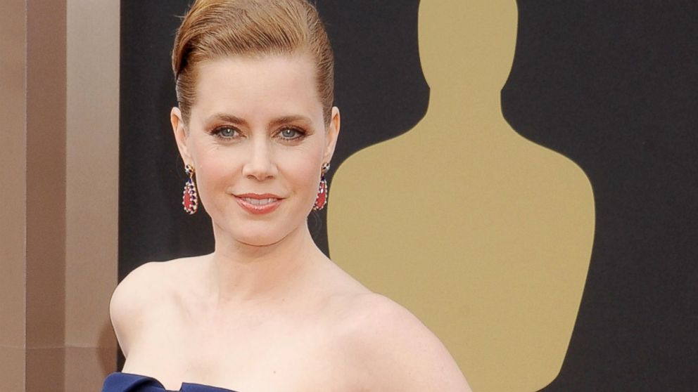 PHOTO: Amy Adams arrives at the 86th Annual Academy Awards at Hollywood & Highland Center, March 2, 2014, in Hollywood, Calif.