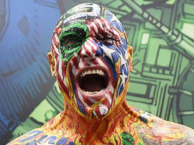 Photos: Superheroes and Villains Descend on Comic-Con