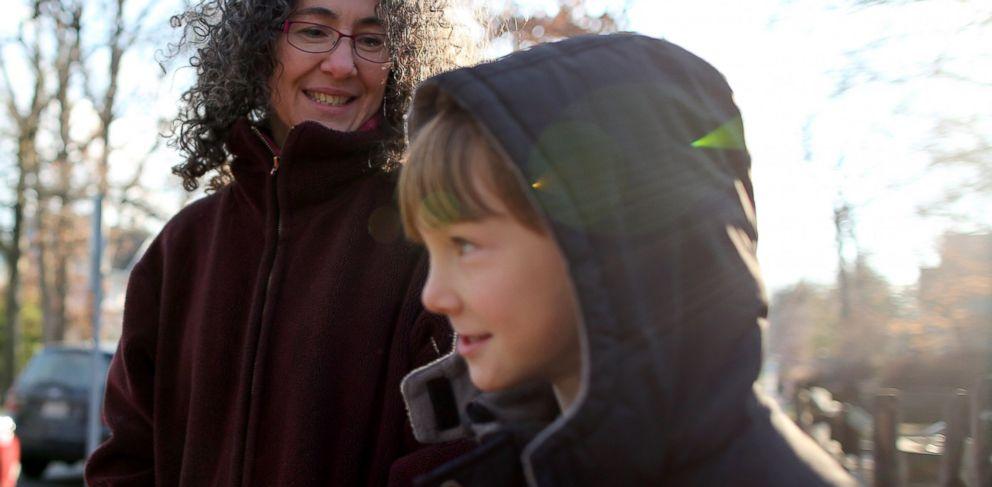 PHOTO: Danielle Meitiv waits with her son Rafi Meitiv, Jan. 16, 2015.