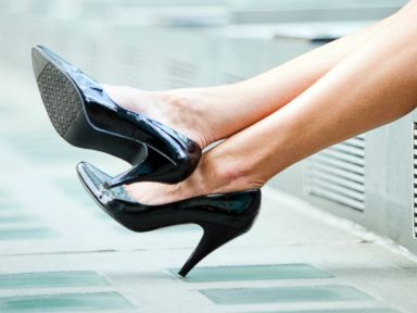 PHOTO: Lauren Sherman, a fashion writer who contributes to a top fashion magazine, has said no thanks to high heels.