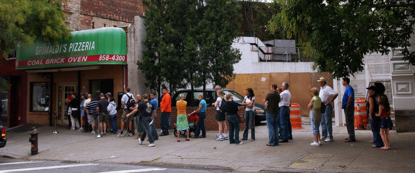 PHOTO: CharityWait lets you skip the line at restaurants while donating to charity at the same time.