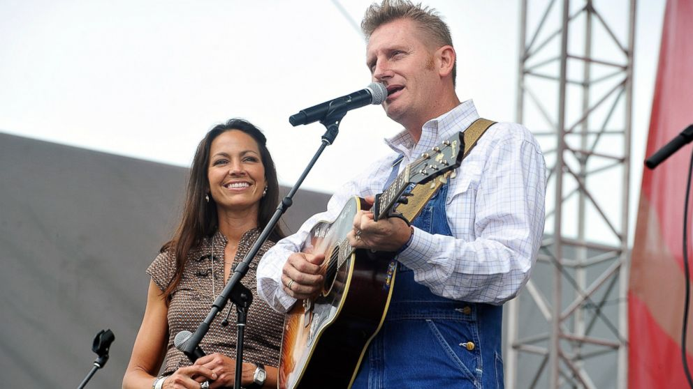 Country singer rory feek pens heartbreaking answer to prayer as wife