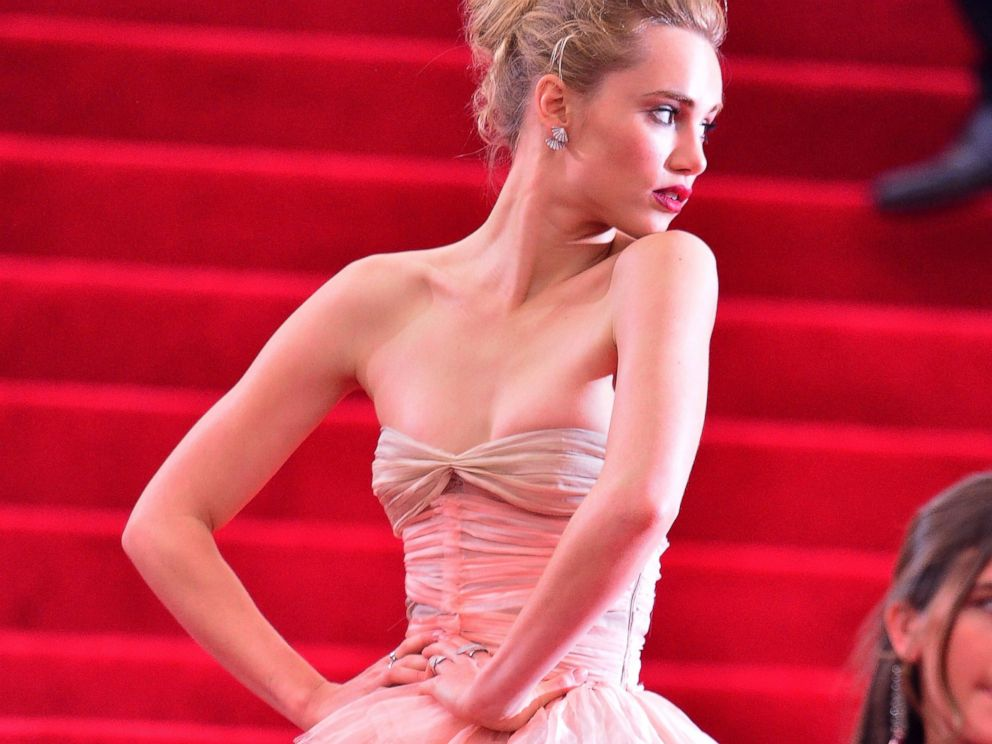 PHOTO: Suki Waterhouse attends the Charles James: Beyond Fashion Costume Institute Gala at the Metropolitan Museum of Art on May 5, 2014, in New York.