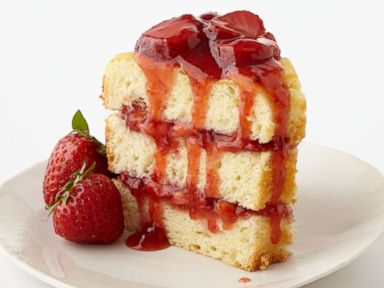 PHOTO: Martha Stewarts (RED) Chiffon Cake