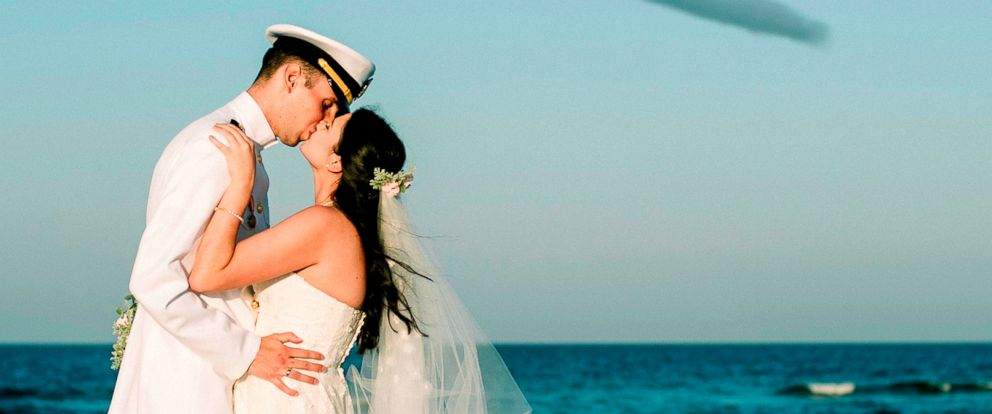 Photo Rachel And Chandler Mills Were Surprised By A Blue Angels Flyover At Their Wedding