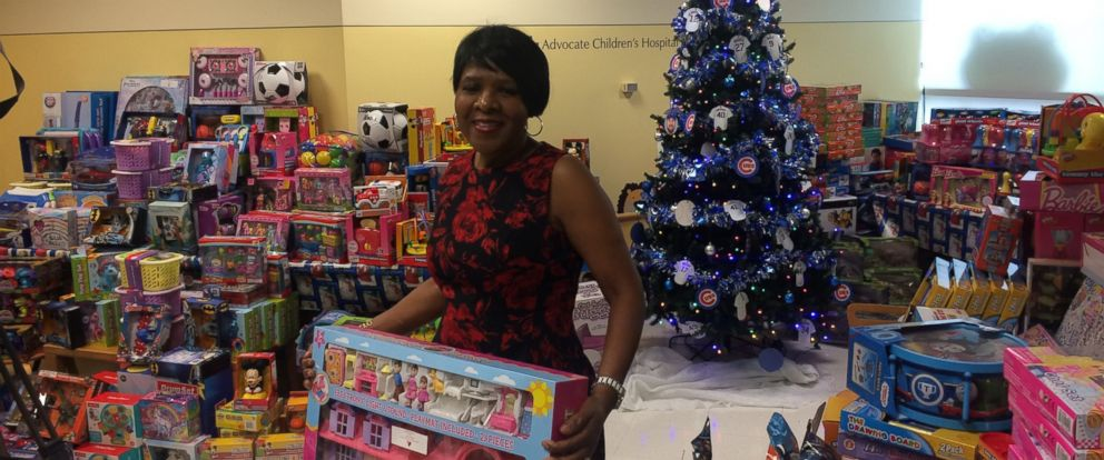 PHOTO: Hospital cafeteria worker Jessie Tenyani, 55, buys toys for young hospital patients at Advocate Childrens Hospital in Oak Lawn, Illinois.
