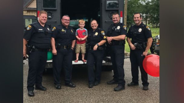 PHOTO: Mason Williams, of Longview, Texas, was surprised by police officers at his police-themed 4th birthday party.