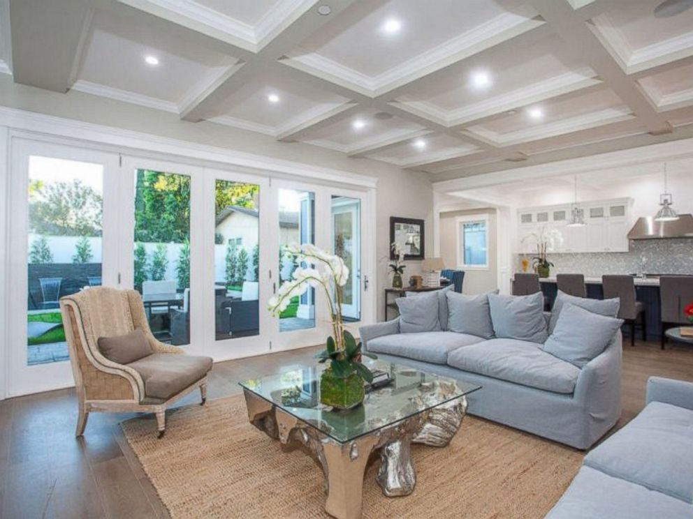PHOTO: The living room inside Ne-Yos $1.9 million California home.