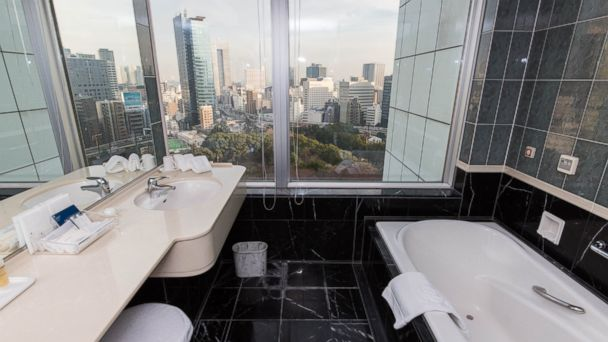 PHOTO: The oversized windows in this hotels 626 rooms frame views of the Tokyo skyline.