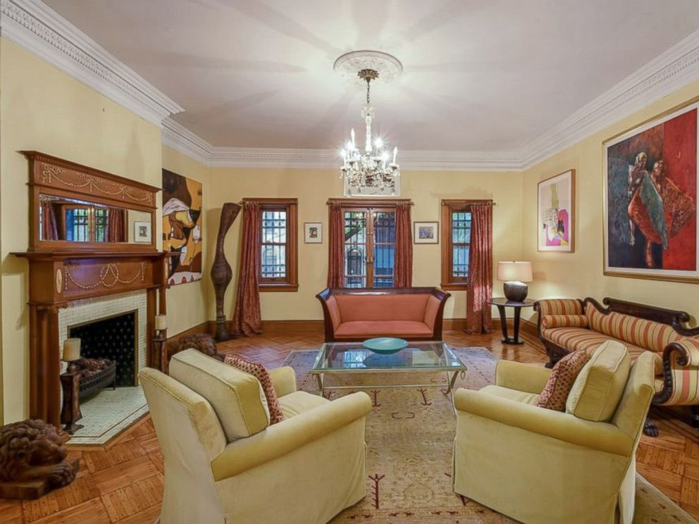 PHOTO The Living Room Inside Bob Dylans Harlem Townhome Now On Market For