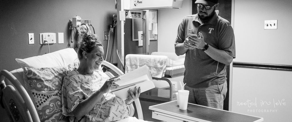 PHOTO: Jennifer Pope, 35, of Burleson, Texas, seen with her husband, Andrew Pope, while in labor on April 23 at Texas Health Harris Methodist Hospital in Fort Worth, Texas.