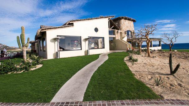 PHOTO: Montecristo Estates Pueblo Bonito is comprised of three-bedroom cliffside villas overlooking the Pacific Ocean.
