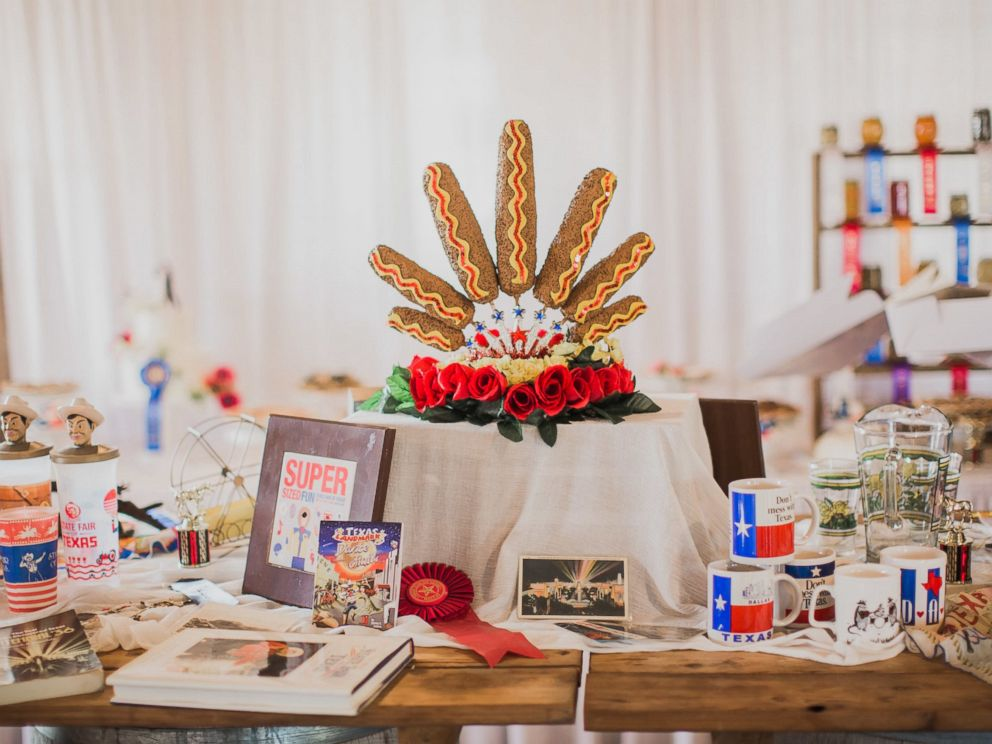 PHOTO: Evan and Melissa Tate, of Rockwall, Texas, threw an elaborate state fair-themed wedding on their familys 700-acre farm.