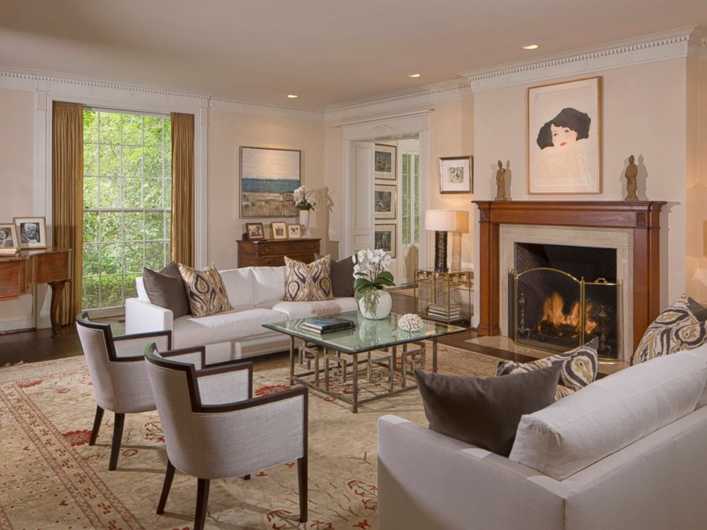 PHOTO: The Living Room Inside Taylor Swifts $25 Million Mansion In Beverly  Hills. Part 54