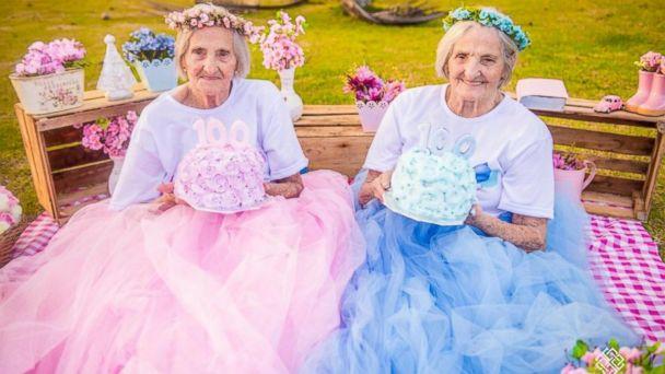 PHOTO:Brazilian twin sisters Maria Pignaton Pontin and Paulina Pignaton Pandolfi celebrated turning 100 on May 24 with a whimsical photo shoot.