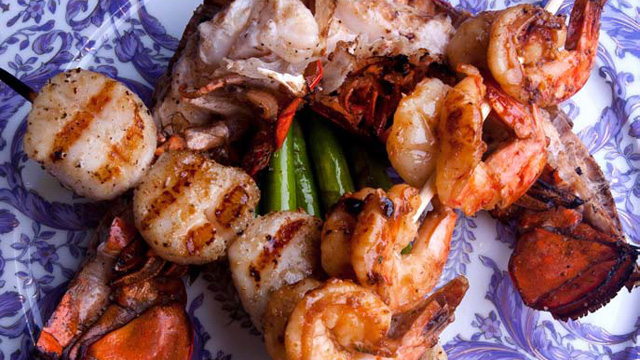 PHOTO: 2 Chainz's recipe for mixed seafood grill kebabs.