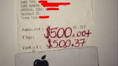PHOTO: Kasey Simmons, 32, of Little Elm, Texas received a $500 tip on a 37-cent check while working at Applebees restaurant on August 16