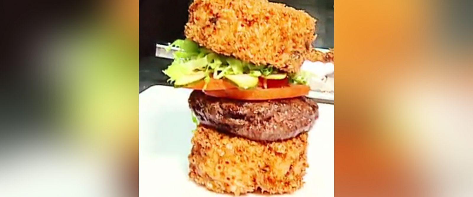 PHOTO: Datz in Tampa, Florida, makes a Cheesy Todd Bun burger with macaroni and cheese hamburger buns.