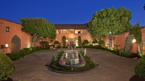 HT HearstMansion 5 mar 14040 16x9 608 Beverly Hills Estate With Starring Roles in Movies on Sale for $135M