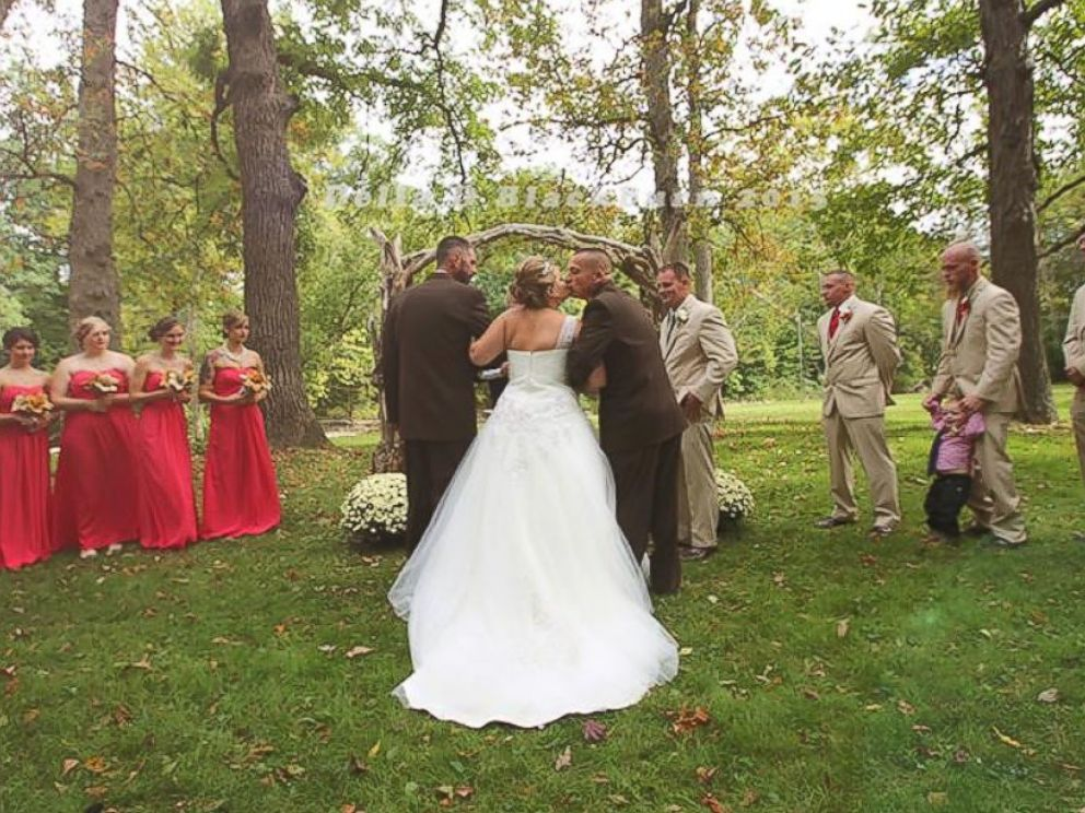 Photo Brittany Pecks Wedding Photos Have Gone Viral After Her Father Grabbed Stepfather So