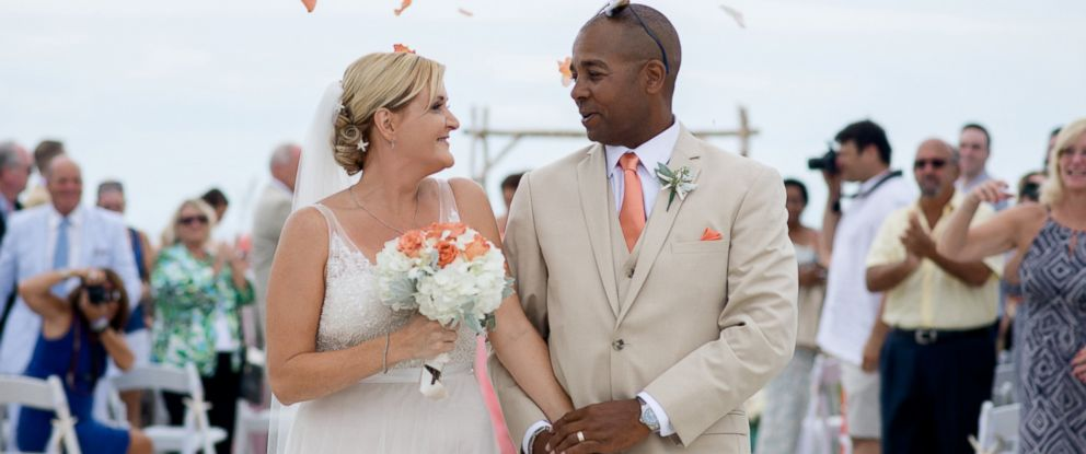 PHOTO:Leigh McManus and James Clark Jr., asked their wedding guests to commit random acts of kindness.