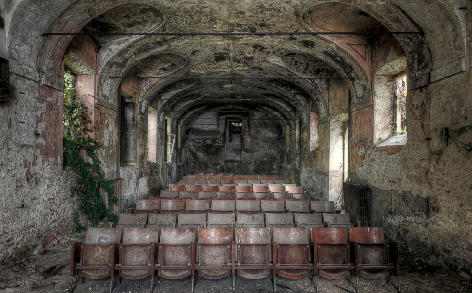 5 abandoned grand buildings
