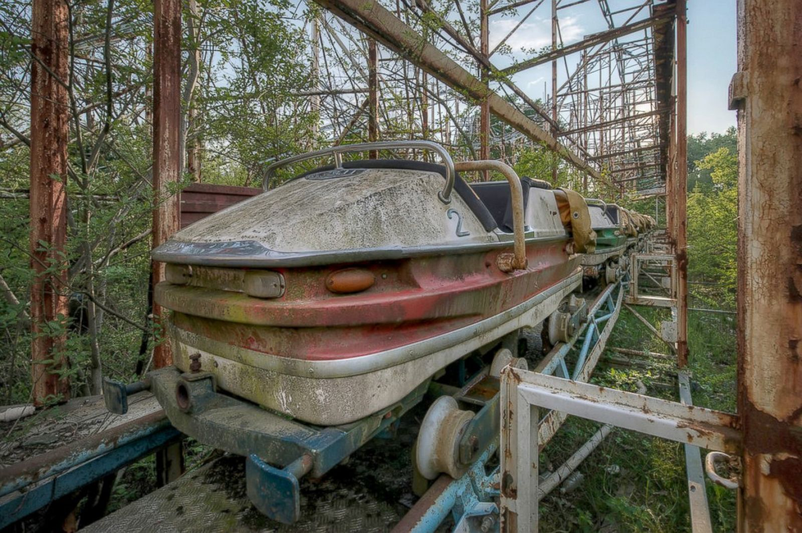 Abandoned places where life once boiled