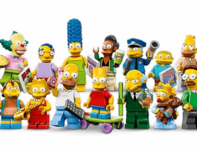 Photos: Simpsons LEGO Figurines